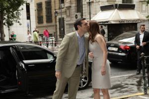 Με ένα φιλί υποδέχτηκε τον Αλέξη Τσίπρα η Έφη Αχτσιόγλου [pics]