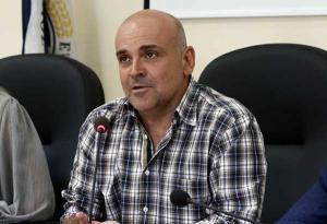 Επίθεση με μαχαίρι στον δήμαρχο Ελευσίνας