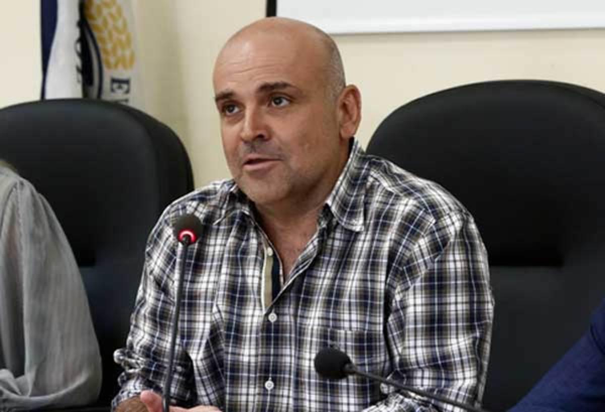 Μαχαίρωσε τον δήμαρχο Ελευσίνας και έφυγε σαν κύριος! | Newsit.gr