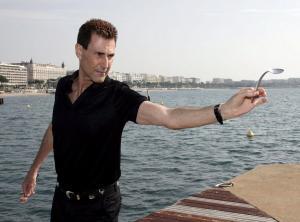 Ολόκληρο νησί θα »σκάψει» ο Γιούρι Γκέλερ για να βρει… Αιγυπτιακό θησαυρό