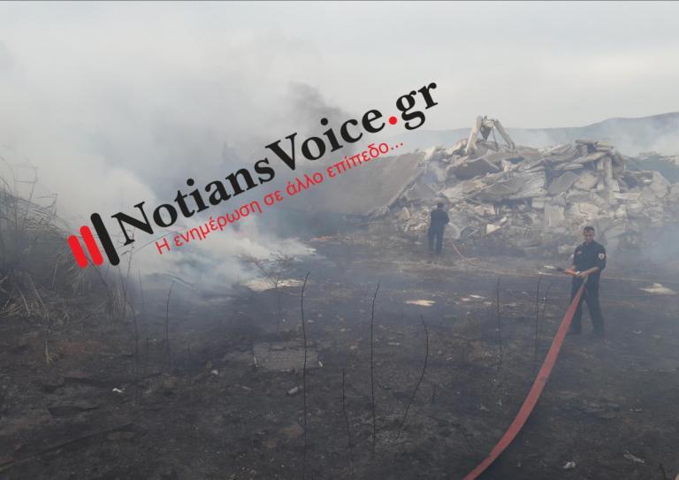 Φωτιά κοντά στο νεκροταφείο της Βάρης [pics, vids] | Newsit.gr