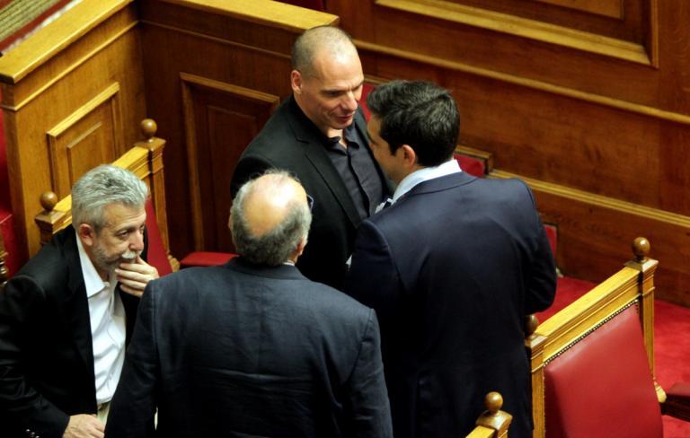 Χαμός» από τις αποκαλύψεις Βαρουφάκη – Να πάρει θέση ο Τσίπρας ζητά η αντιπολίτευση