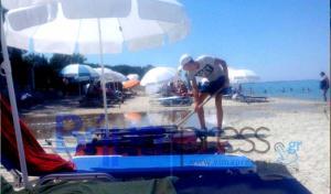 """Χαλκιδική: Ξεχείλισε ο βόθρος και """"έπνιξε"""" τους λουόμενους στην παραλία! [vid]"""