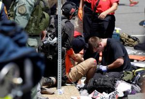 Βιρτζίνια: Ένας νεκρός από το αυτοκίνητο που έπεσε σε πεζούς – Πολεμική ατμόσφαιρα [pics]