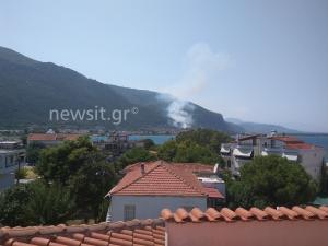 Φωτιά στα Καμένα Βούρλα: Τέθηκε υπό έλεγχο!