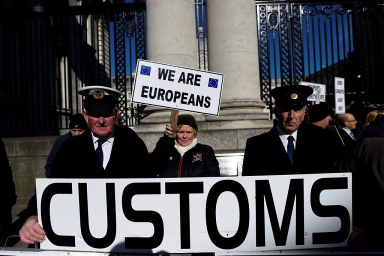Η Βρετανία ζήτησε από πολίτες άλλων κρατών να… φύγουν από την χώρα | Newsit.gr
