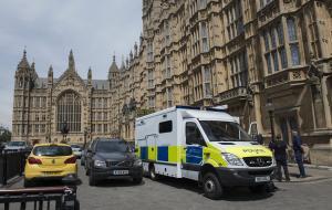 Συναγερμός για πυρκαγιά στο Βρετανικό Κοινοβούλιο