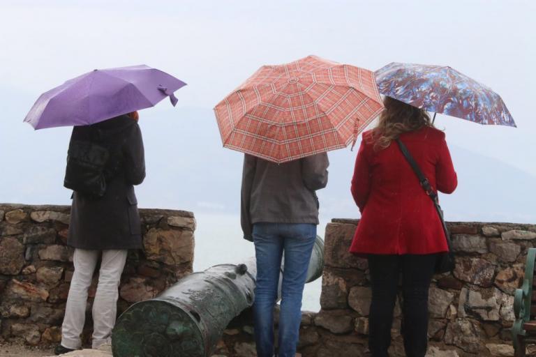 Καιρός: Αλλάζει το σκηνικό! Βροχές και πτώση της θερμοκρασίας | Newsit.gr