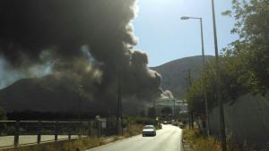 Ηράκλειο: Φωτιά τώρα σε μεγάλο εργοστάσιο – Στις φλόγες το βιομηχανικό πάρκο Τυλίσου [pics]