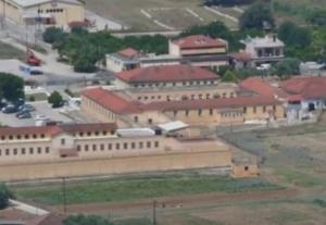 Αργολίδα: Απόδραση κρατουμένου από τις αγροτικές φυλακές της Τύρινθας – Έφυγε σαν κύριος [vid]