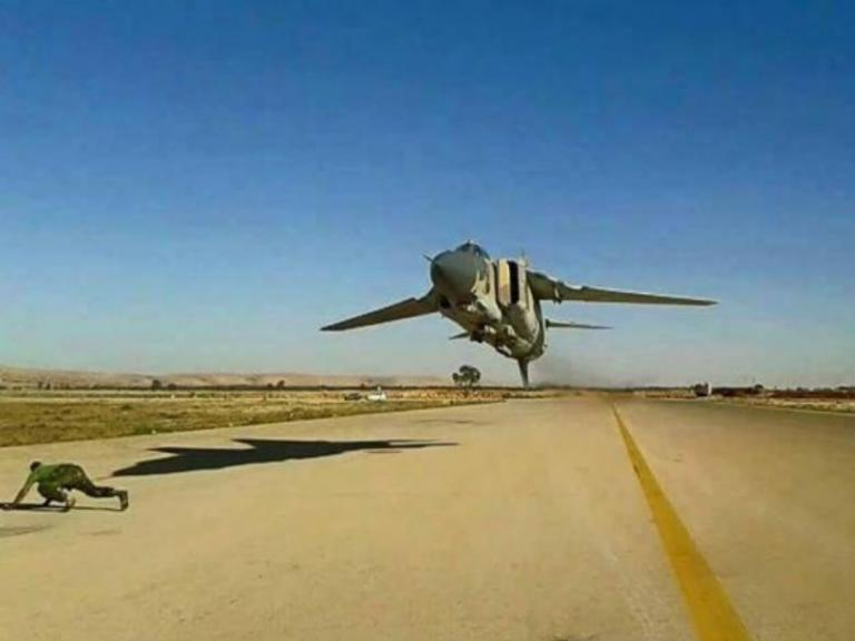 MiG-23ML: Πιο χαμηλά… δεν γίνεται! [vid] | Newsit.gr