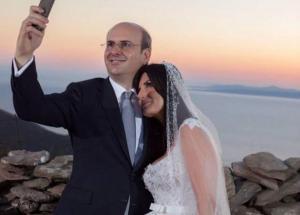 Ο Χατζηδάκης ψήφισε πρώτος λόγω τοκετού – Γεννάει η γυναίκα του