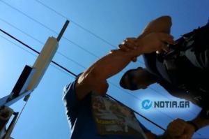 Αστυνομική αυθαιρεσία! Γνωστός δημοσιογράφος βρέθηκε στο τμήμα Αλίμου με χειροπέδες! [pics, vid]