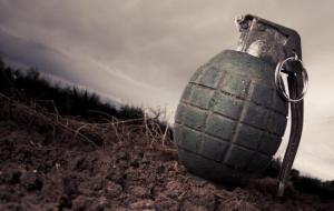 Πάτρα: Πήγε στο οικόπεδό της και βρήκε… 4 χειροβομβίδες του Β' Παγκοσμίου