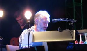 Yann Tiersen: Ο συνθέτης που έγινε γνωστός από την Amelie [vid]