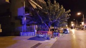 Λαμία: Αυτοκίνητο «καρφώθηκε» σε κολώνα – Αποκαλυπτικές εικόνες μετά το τροχαίο ατύχημα [pics]