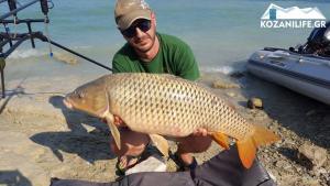 Κοζάνη: Έπιασε αυτό το ψάρι και πήρε μια απόφαση που τον έκανε θέμα στα social media [pic, vid]