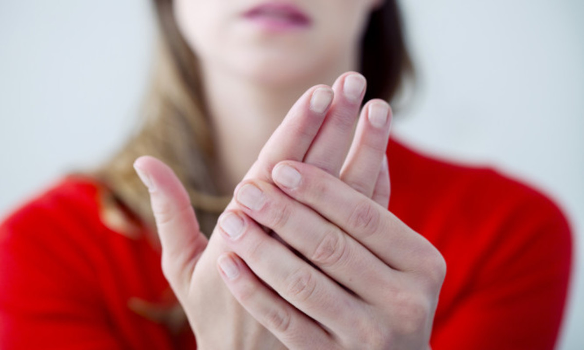 Κρύα χέρια: Οι πιθανές σοβαρές αιτίες και πότε πρέπει να πάτε στο γιατρό! | Newsit.gr