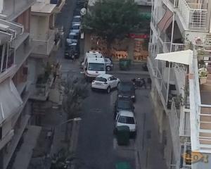 Θεσσαλονίκη: Ανέβασε αυτές τις φωτογραφίες στο διαδίκτυο και προκάλεσε αίσθηση – Το ασθενοφόρο εγκλωβίστηκε [pics]