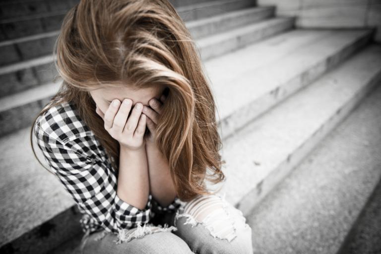 Με κατάθλιψη μία στις τέσσερις έφηβες 14 ετών – Προσοχή στα σημάδια! | Newsit.gr