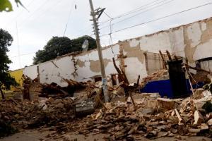 Σεισμός στο Μεξικό: Αφού τους «κατάπιε» η γη τους αποτελείωσε ο τυφώνας «Κάτια» – 65 νεκροί [pics, vid]