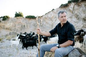Θεοδωράκης: «Να μην γίνουν οι εκλογές στις 12 Νοεμβρίου γιατί έχει μαραθώνιο στην Αθήνα»