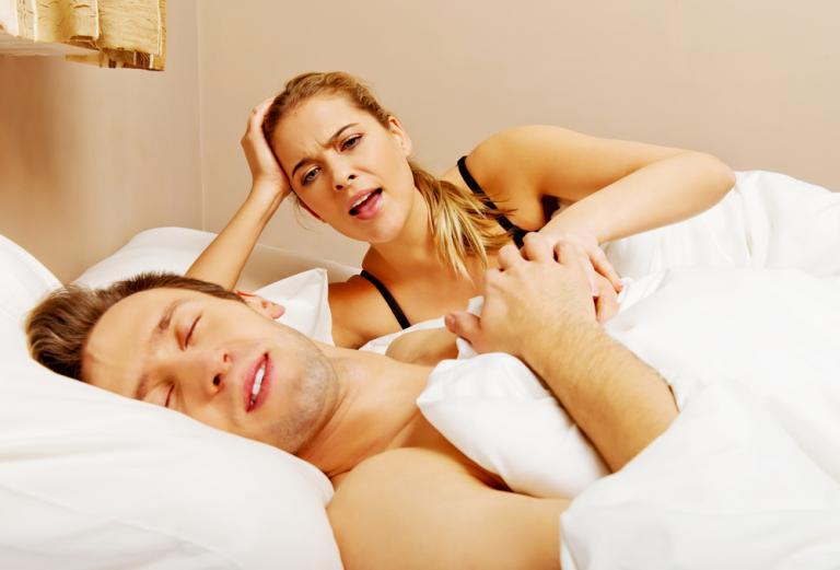 Δείτε γιατί και πότε κάποιοι μιλούν στον ύπνο τους! [vid] | Newsit.gr