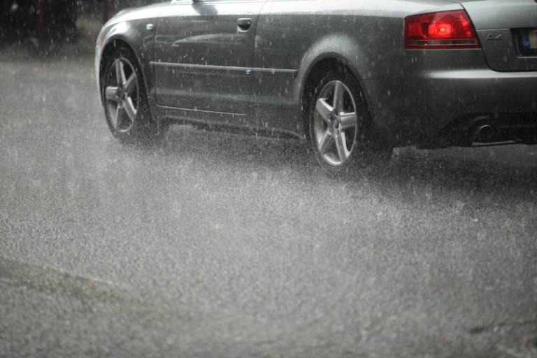 Καιρός: Φθινοπωρινή Κυριακή! Έρχονται βροχές και καταιγίδες | Newsit.gr