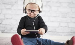 Ποια μουσική βοηθάει την γλωσσολογική ανάπτυξη του παιδιού