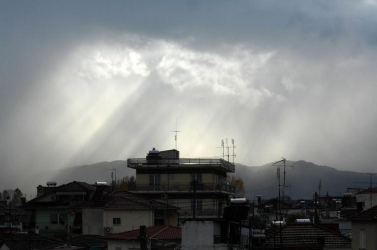 Καιρός: Φθινοπωριάζει! Βροχές και πτώση θερμοκρασίας | Newsit.gr