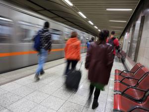Θεσσαλονίκη: Πανικός σε βαγόνι τρένου – Τον χτύπησε ρεύμα υψηλής τάσης και χαροπαλεύει σε νοσοκομείο!