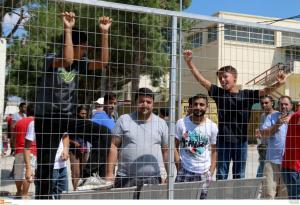Λέσβος: Εκρηκτική η κατάσταση με 5.862 εγκλωβισμένους πρόσφυγες και μετανάστες!