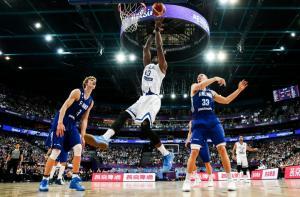 Eurobasket 2017: «Μύλος» η Εθνική! Ο Αντετοκούνμπο μαζεύει τη δήλωση «βόμβα», αλλά δεν… σώζει το μπάχαλο