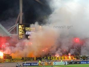 """ΑΕΚ – Ολυμπιακός: Τρομερή ατμόσφαιρα! """"Κάηκε"""" το ΟΑΚΑ στην είσοδο των ομάδων [vid]"""