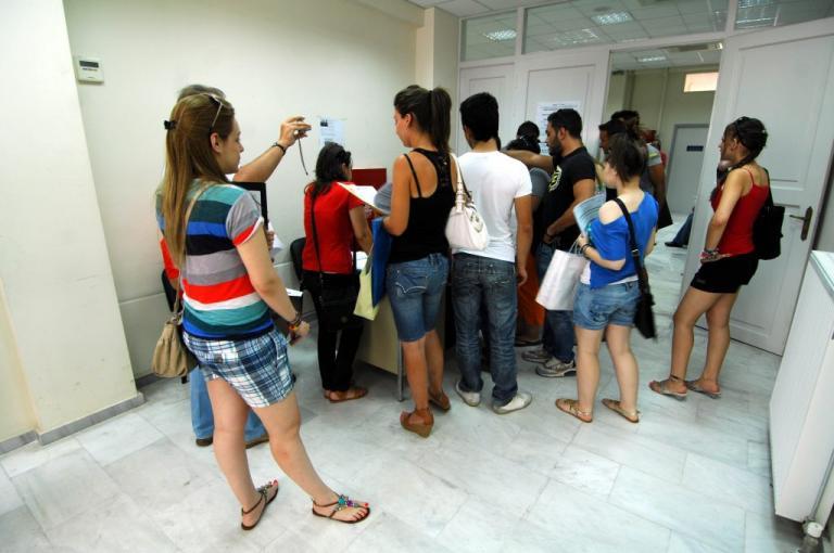Προσλήψεις 10.000 ανέργων στο Δημόσιο   Newsit.gr