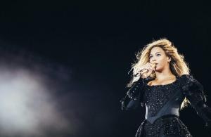 Η Beyonce στο πλευρό μαύρων φοιτητών