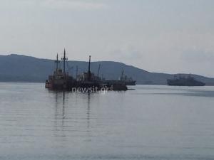Νέο ναυάγιο στον Σαρωνικό – Στήθηκε φράγμα για τη ρύπανση