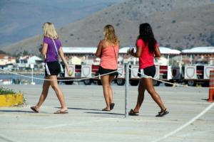 Ρόδος: Συνεχίζει να βουλιάζει από τουρίστες – Πάνω από 90% οι πληρότητες των ξενοδοχείων!