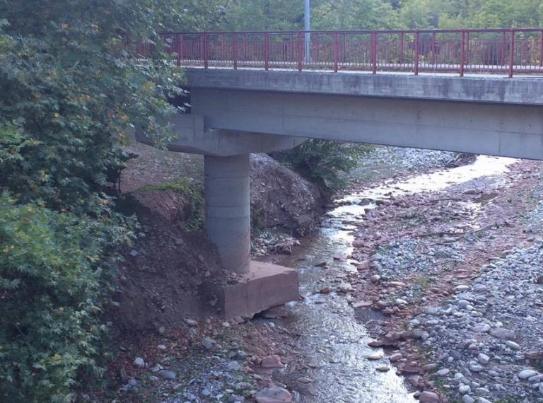 Καλαμπάκα: Στον «αέρα» η γέφυρα «Κουκουράβα» – Πρόβλημα στατικότητας! [pics] | Newsit.gr