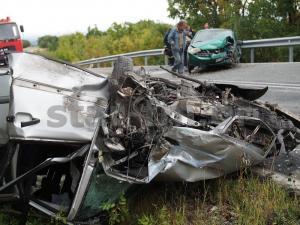 Τροχαίο με τρεις τραυματίες στα Γρεβενά [vid]