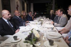 Καβάλα: Θερμή υποδοχή του πρωθυπουργού της Βουλγαρίας από τον Αλέξη Τσίπρα