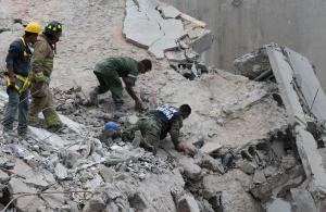 Σεισμός Μεξικό: Εικόνες βιβλικής καταστροφής – Εκατόμβη νεκρών [pics, vids]