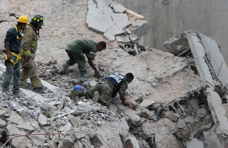 Σεισμός Μεξικό: Εικόνες βιβλικής καταστροφής – Εκατόμβη νεκρών [pics, vids] | Newsit.gr