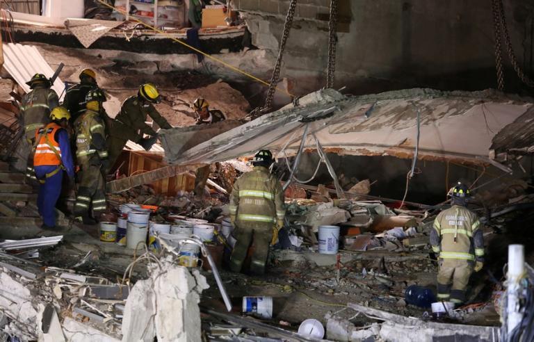 Σεισμός στο Μεξικό: Ψάχνουν για επιζώντες – 319 οι νεκροί | Newsit.gr