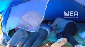 Χανιά: Μητέρα και τρία ανήλικα ζουν σε σκηνή – Έκκληση για την άστεγη οικογένεια [pics, vid]