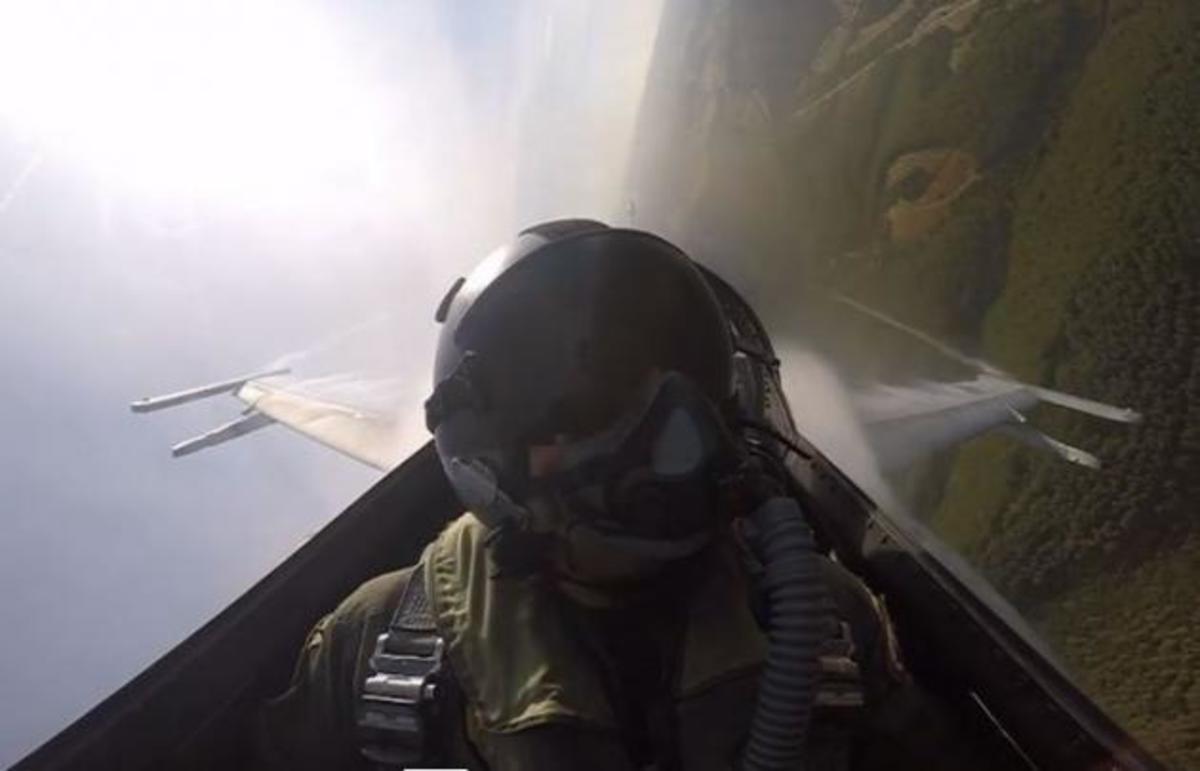 Απίστευτες αερομαχίες Μιράζ με F-16! [vid]   Newsit.gr