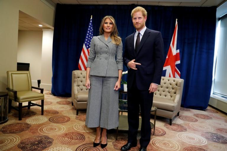 Πρίγκιπας Χάρι: Χαμός για τη χειρονομία με τη Μελάνια Τραμπ [vid] | Newsit.gr