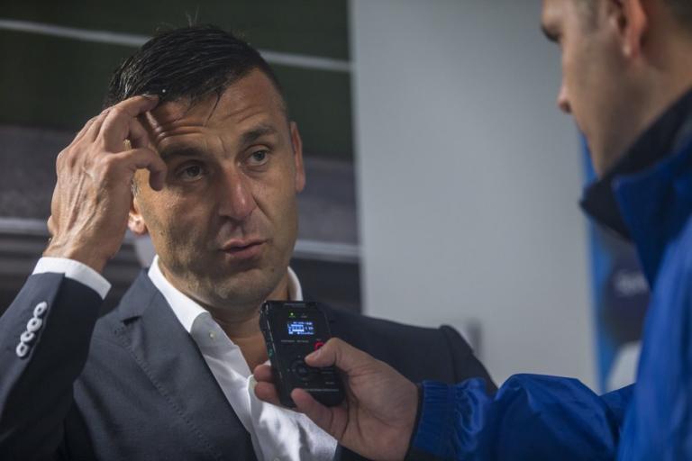 Θύμα ξυλοδαρμού! Με σπασμένο χέρι ο προπονητής της Ντιναμό Ζάγκρεμπ | Newsit.gr