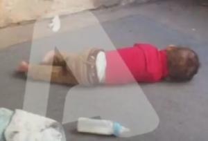 Ρόδος: Εικόνες ντροπής στο αστυνομικό τμήμα – Μωρά πεταμένα στο πάτωμα και γονείς σε απόγνωση [vid, pic]