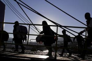 Λέσβος: Μεγάλη ταλαιπωρία ταξιδιωτών για το Αϊβαλί